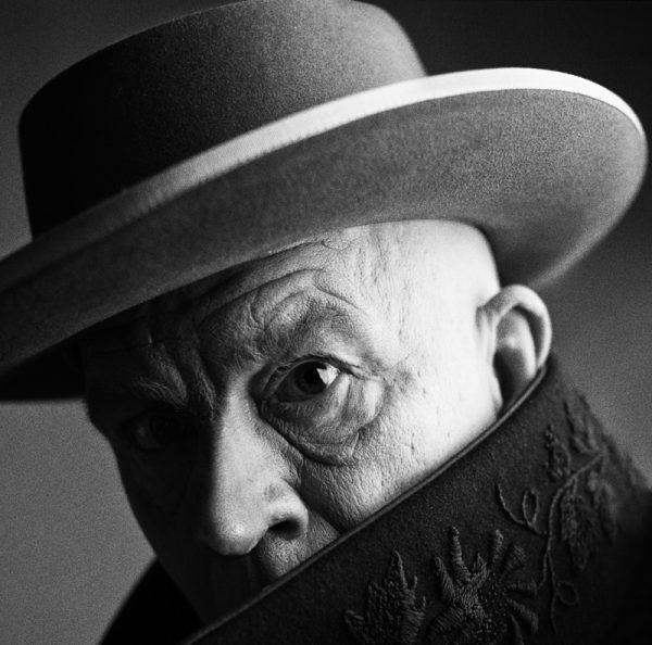 irving-penn-_-pablo-picasso-cannes-france-1957-2014